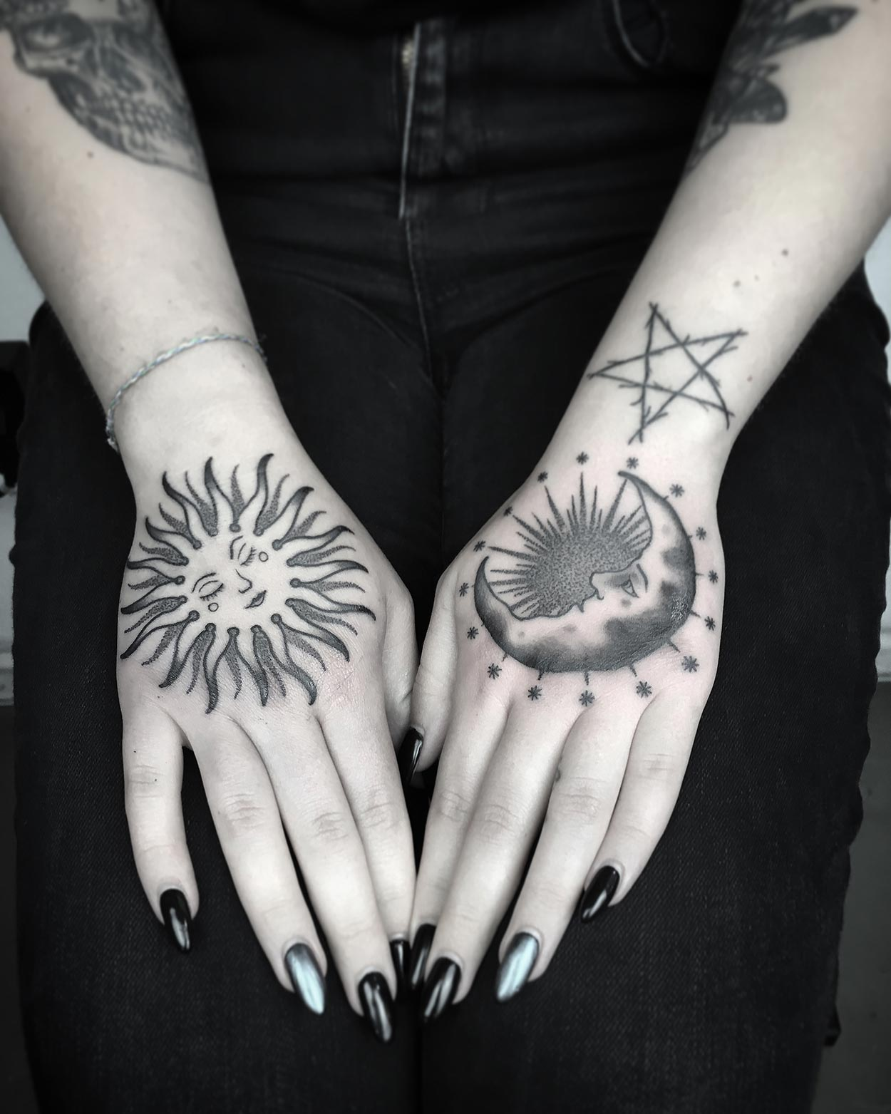 Handtattoos von Phil Octowhale
